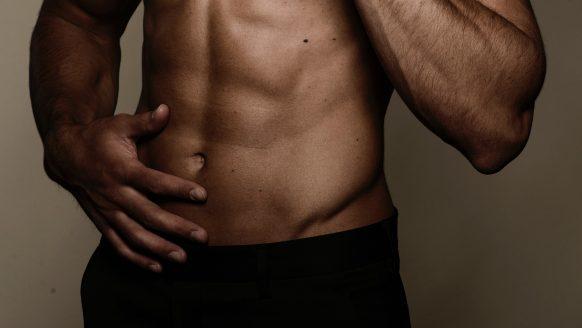 5 onverwachte oorzaken waarom je als man plotseling zwaarder wordt