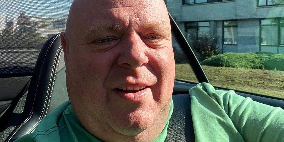 Peter Gillis zet zijn leipe auto te koop voor een megabedrag