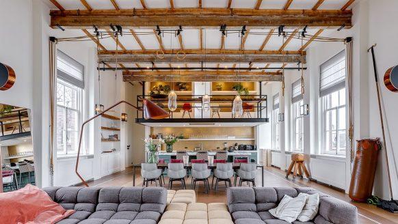 Funda parel: sportlokaal in Amsterdam omgebouwd tot luxe miljoenenwoning