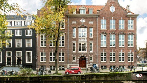 Funda parel: oud Amsterdams klooster omgetoverd tot fraai gangster-loft