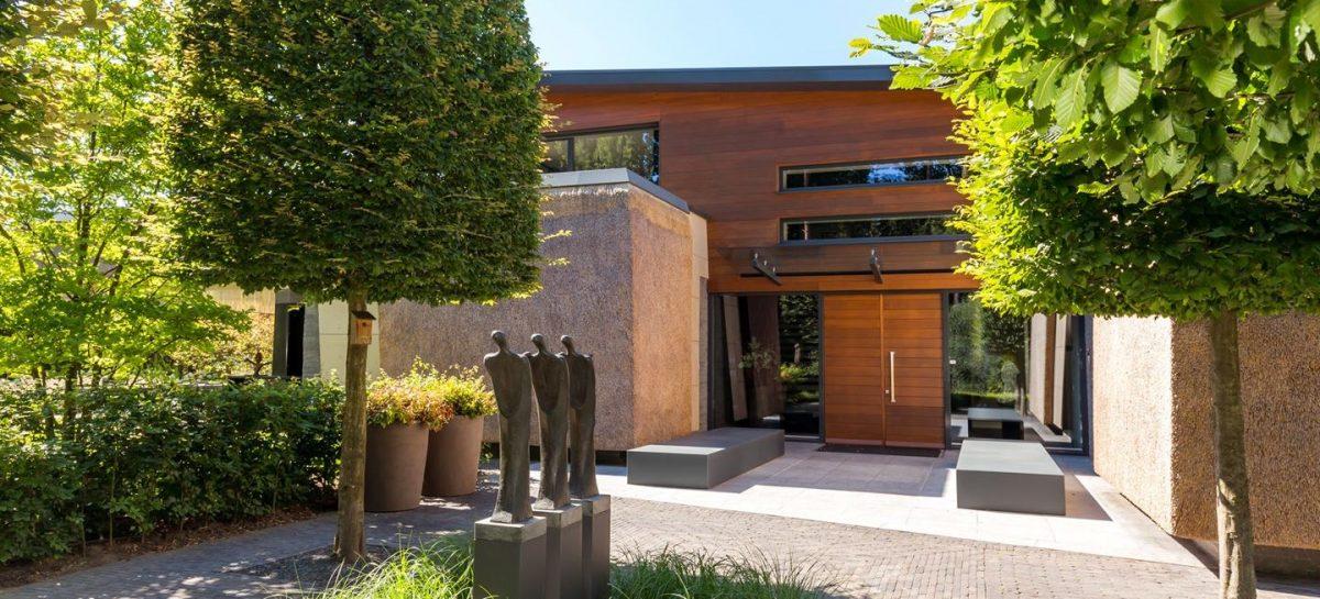 Deze Brabantse supersterren villa van €6 miljoen staat nu te koop op Funda