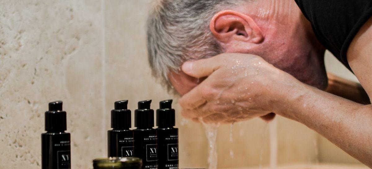 Hoe moet je als man je gezicht reinigen?