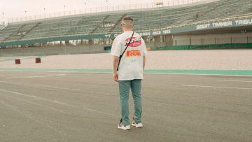 De nieuwe Ninetyfour kledingcollectie is een must-have voor raceliefhebbers