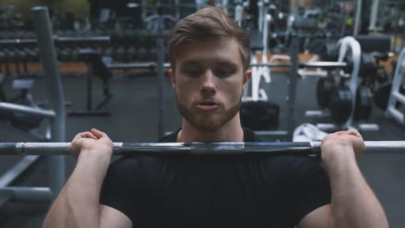 Front squat: de juiste uitvoering, spiergroepen en tips