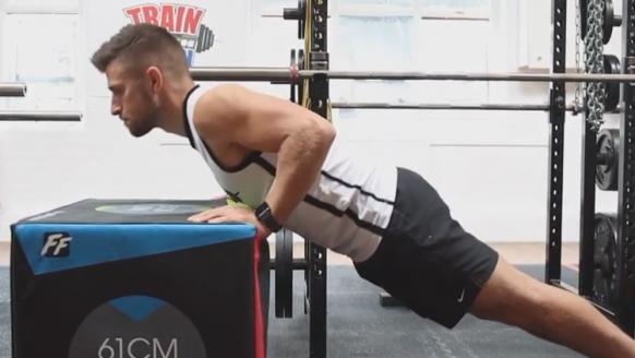 De incline push-up: uitvoering en spiergroepen die je traint