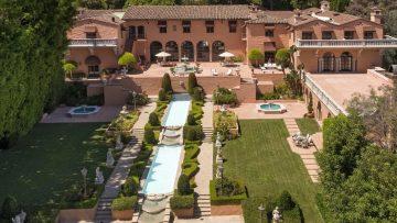 Unieke kans: de mega villa uit The Godfather film uit 1972 staat nu te koop