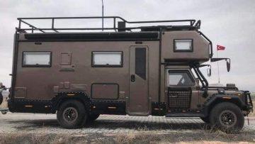 Deze luxe camper is bruut van buiten, maar voorzien van alle luxe