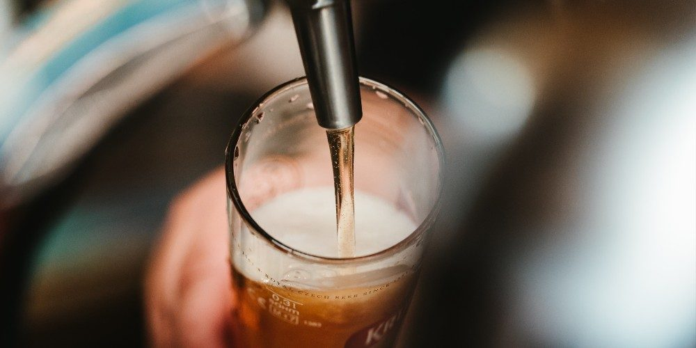 Binnenkort opent dit biercafé in Maastricht waar je 68 biertjes kan tappen