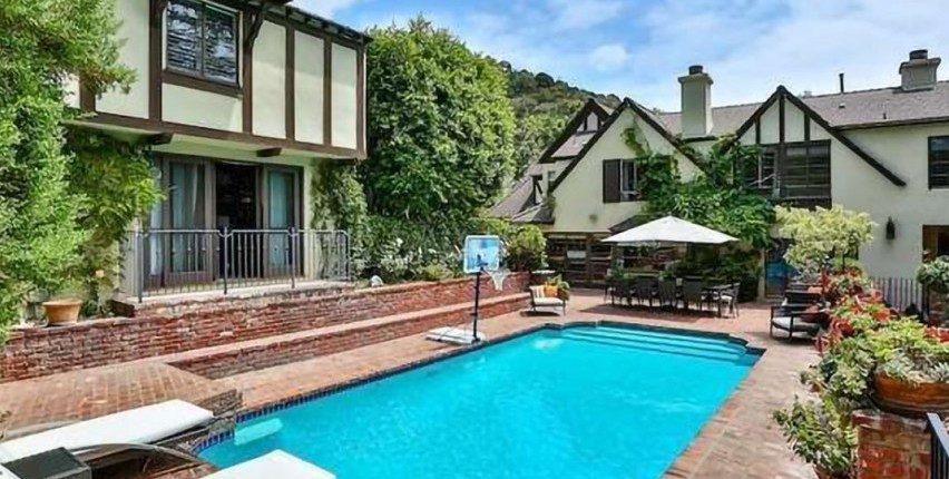 Rihanna koopt luxe villa van de buren voor $10 miljoen