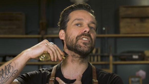 Zo kun je zelf in 4 stappen je baard vormgeven