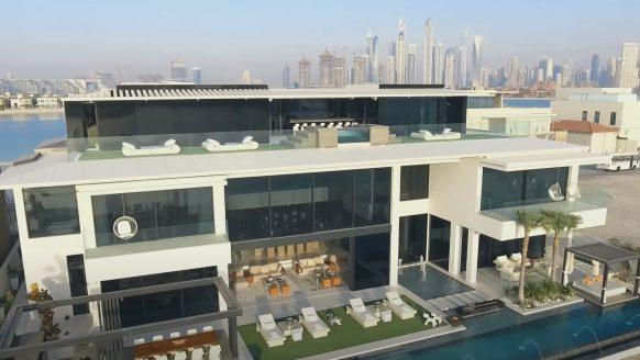 Zwitserse familie koopt het allerduurste huis van Dubai
