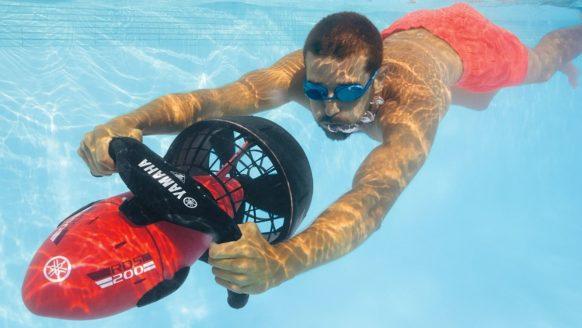 De Lidl verkoopt een onderwaterscooter voor een echte stuntprijs