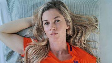 Anouk Hoogendijk onthult haar schrikbarende salaris als voetbalster