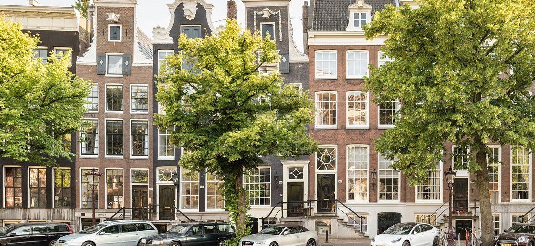 Dit 5-laagse grachtenpand is een van de bruutste woningen van Amsterdam