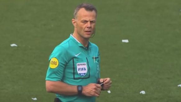 Dit verdiende scheidsrechter Björn Kuipers tijdens EURO 2020