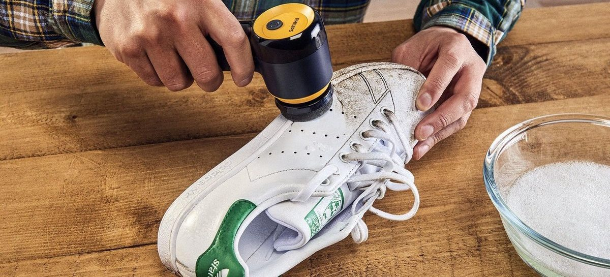 Deze geniale gadget maakt je schoenen in no-time schoon