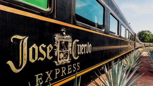 Vriendentrip: je kan voor slechts €100 met een tequila trein door Mexico reizen