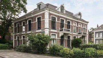 Feyenoord-trainer Arne Slot koopt dikke miljonairsvilla in Zwolle
