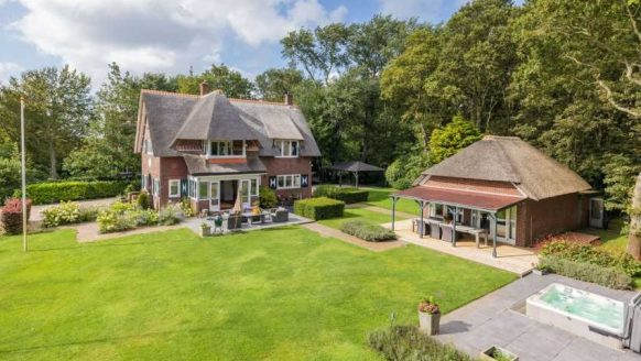Martien en Erica Meiland verlaten Noordwijk nu al en kopen dit landhuis