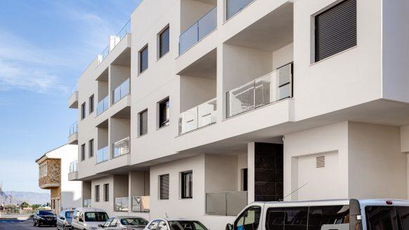 Dit Spaanse vakantiehuis kost net zoveel als een mini-kamer in Amsterdam