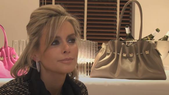 Nederlandse miljonair verwende Miss België met miljoenen, wordt afgewezen en neemt wraak