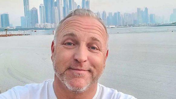 Voor dit bizar luxe appartement in Dubai betalen Gordon en zijn vriend €40.000 per maand