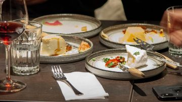 Bij dit Amsterdamse restaurant kan je onbeperkt kaas eten, kaasfonduen en meer