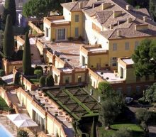 Deze koninklijke vila staat te koop voor een slordige €300 miljoen