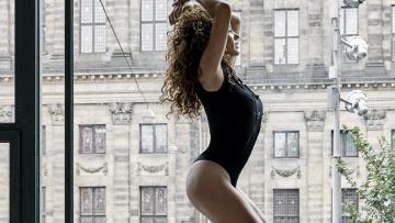 Katja Schuurman op 42 jarige leeftijd nog altijd sexy