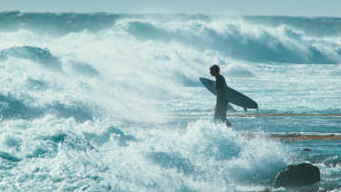 De eerste surf film in 4k geeft je kippenvel