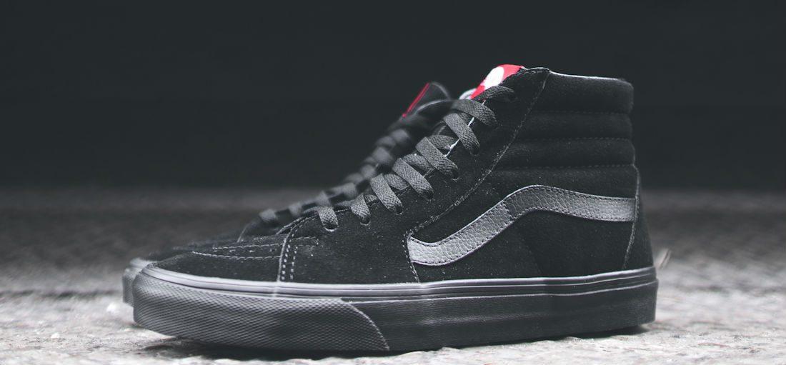 De 5 tofste zwarte sneakers van dit moment