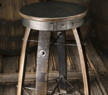 Handgemaakte barkrukken van Jack Daniels whiskeyvaten