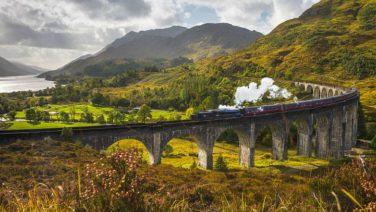 Beleef een unieke reis met je vrienden in de whiskytrein door Schotland