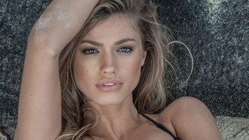 Laat je betoveren door de onschuldige schoonheid van Maggie Rawlins Douglas