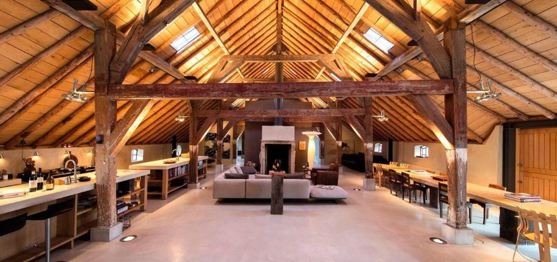 Dit woonboerderij in Weesp is je droomhuis en kan voor €3 miljoen voor jou zijn!