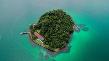 Dit privé eiland is de ultieme vakantiebestemming voor jou en je vrienden
