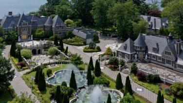 De Great Gatsby mansion staat te koop voor 85 miljoen dollar