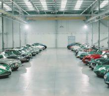Zien: Aston Martin viert opening nieuwe fabriek met een kijkje achter de schermen