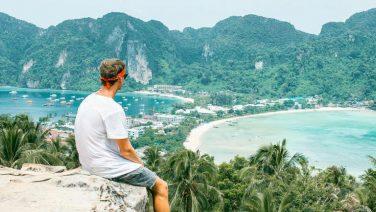 Waarom het nooit te laat is om alleen op reis te gaan