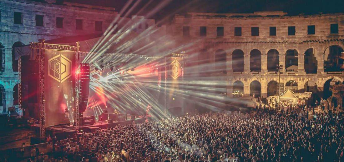 Buitenlandse festivals die het reizen meer dan waard zijn