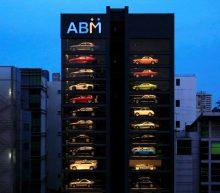 Deze snoepautomaat voor volwassenen is gevuld met supercars