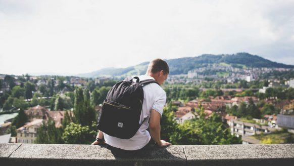 Waarom niet iedereen de behoefte heeft om alleen te reizen