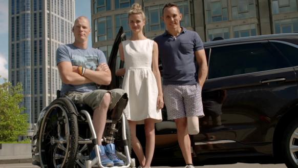 Video: Ford komt met een prachtig initiatief en introduceert de HandiCab