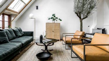 Deze vliering in Stockholm is omgetoverd tot een sicke studio