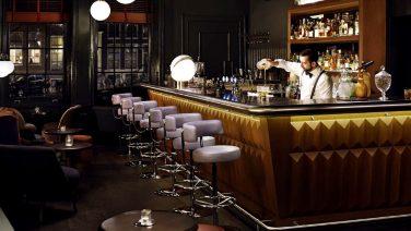 De 5 beste hotelbars in Amsterdam waar je altijd goed zit
