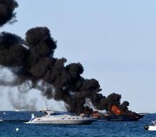 Video: miljoenenjacht aan de kust van Saint-Tropez gaat in vlammen op