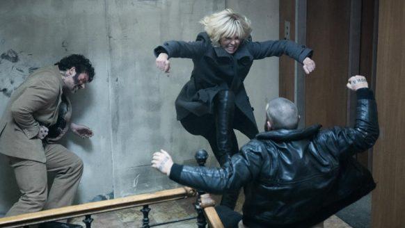 Atomic Blonde is dé bruutste actiefilm met een sexy hoofdrolspeelster