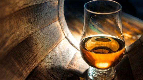 Man betaalt € 8.733,- voor een glas whisky van 2cl