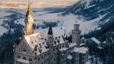 Filmmaker Joshua Cowan legt de Alpen waanzinnig vast met een drone