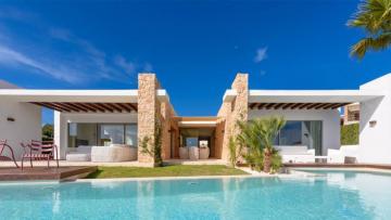 De 5 ziekste vakantiehuizen op Ibiza waar je met je vrienden naar toe kunt